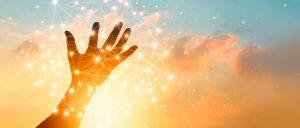 Lee más sobre el artículo No basta con sintonizar con la abundancia, ¿Sabes por qué?